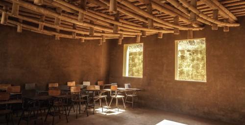 Lehm und Bambus in Schulbau